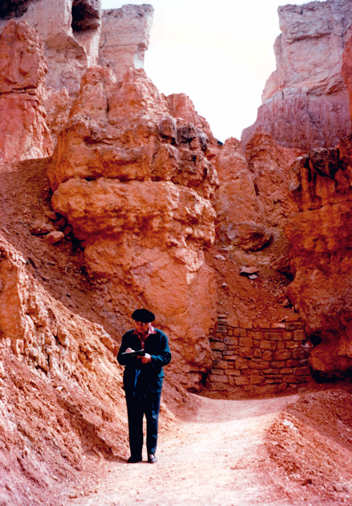 Olivier Messiaen taking notes at the Grand Canyon. Photo: www.musicweb-international.com