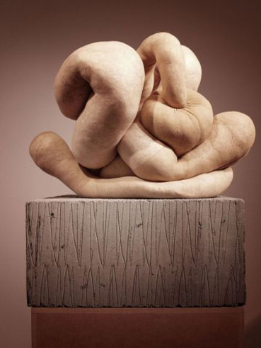 sarah_lucas_stockings_sculpture